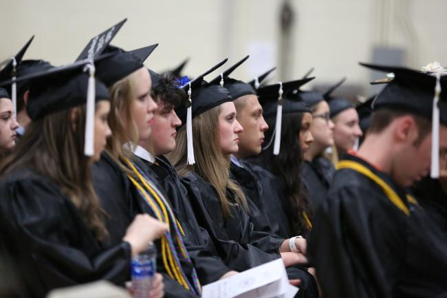 University honors more than 400 graduates